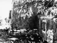 Crkva Svetog Petra (nekadašnja kula) u Savudriji 1968. godine, Savudrija. (bn. 8593) Iz arhive Arheološkog muzeja Istre
