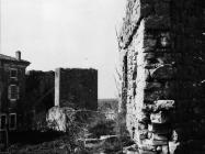 Gradski bedemi i kula sredinom 80-ih godina, Sveti Lovreč. (fn. 19080) Iz arhive Arheološkog muzeja Istre