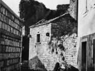 Ulica i kuće 1972. godine, Sveti Lovreč. (fn. 19082) Iz arhive Arheološkog muzeja Istre