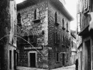 Palača Bettica u prvoj polovici 20. stoljeća, Vodnjan. (fp. 504) Iz arhive Arheološkog muzeja Istre