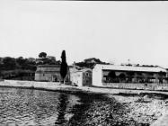 Tvornica Neon i bazilika sv. Marije 1970. godine, Vrsar. (bn. 8982) Iz arhive Arheološkog muzeja Istre