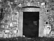 Romanički portal crkve sv. Pelagija u Završju početkom 60-ih godina, Završje (fn. 6727) Iz arhive Arheološkog muzeja Istre