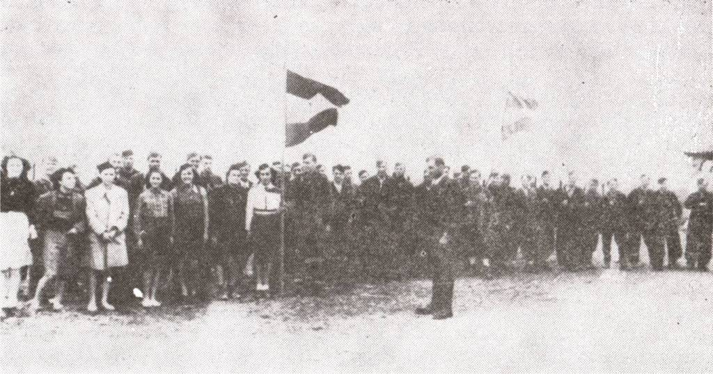Partizani pred ulazak u Porec 1945.