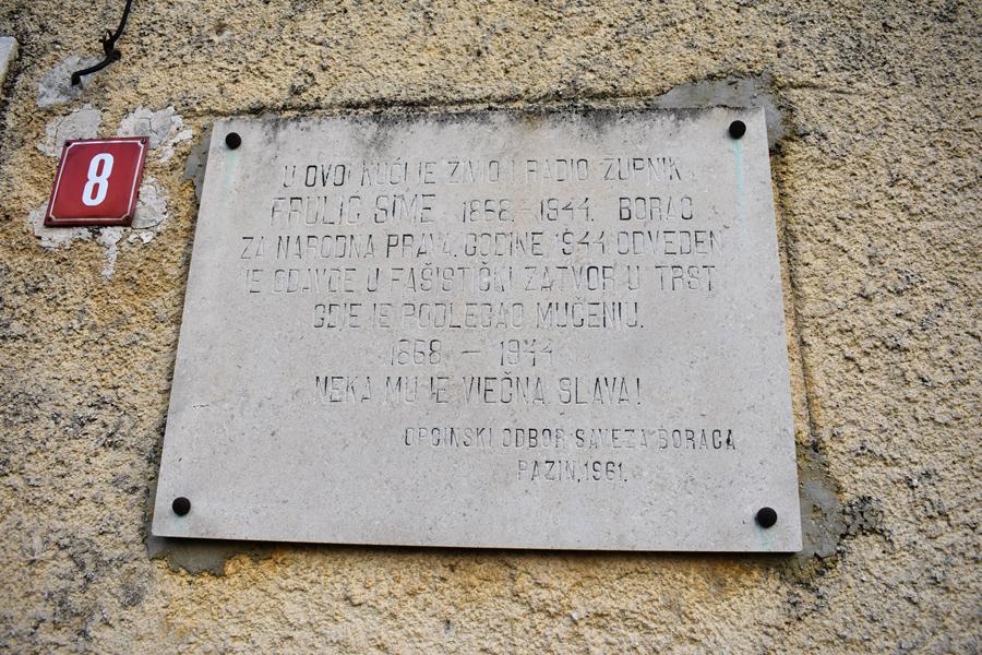spomen ploča na kući Šime Frulića